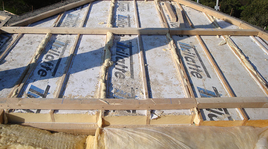 protec toiture dans le golfe de saint tropez isolation rampante. Black Bedroom Furniture Sets. Home Design Ideas
