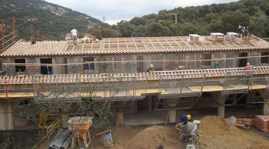Protec toiture dans le golfe de saint tropez toitures neuves for Tuiles vieillies